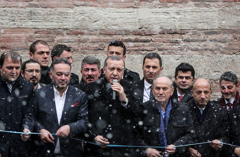 Cumhurbaşkanı Erdoğan'dan yoğun kar altında açılış