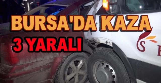 Servis Minibüsü İle Otomobil Çarpıştı: 3 Yaralı